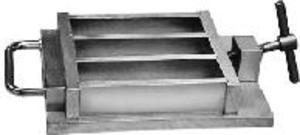 Фото TESTING 1.0218 трехблочная форма для призм раствора (40х40х160 мм)