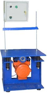 Фото СМЖ-539К виброплощадка лабораторная с 2-мя электромагнитами, механическим креплением и таймером