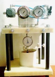 Фото УПС-40 прибор предварительного уплотнения образцов грунта