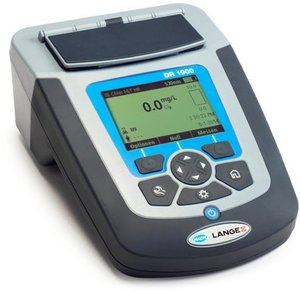 Фото HACH 96248-00 DR 1900 переносной спектрофотометр в комплекте с аккумуляторами NiMH, модулем питания +USB и адаптером (LZV813)